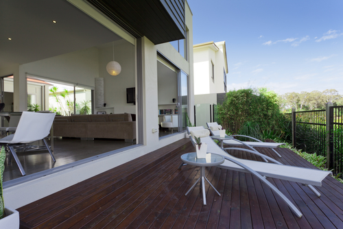 Is Egineered Or Laminate Flooring Better?